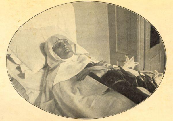 Madre Francisca de Jesus no leito de morte